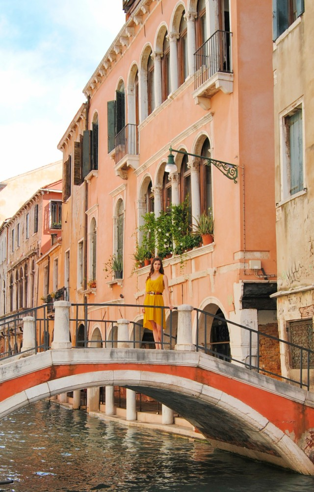 StyleJinx in Venice Italy bridges fashion Venice Canals.jpg