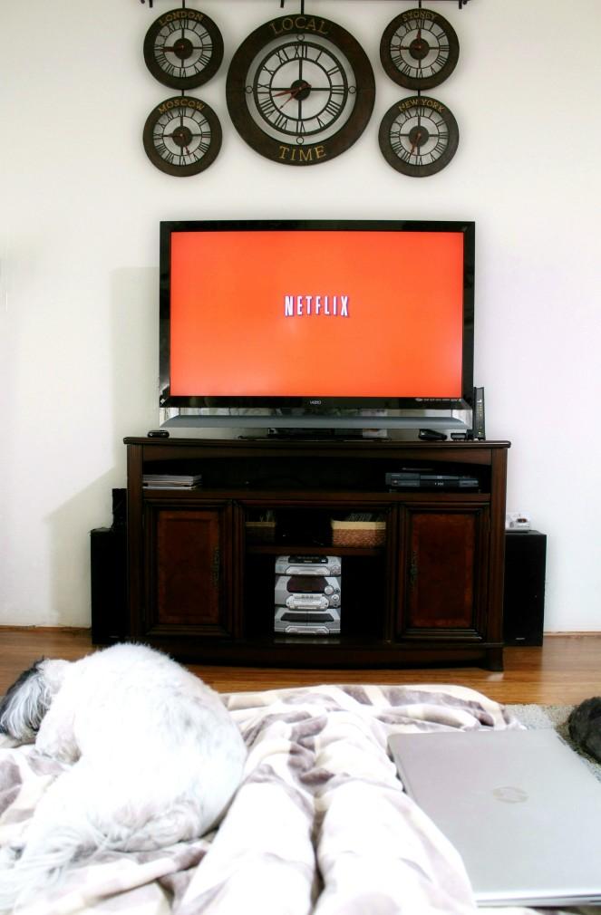 Netflix lazy day fashion blogger lifestyle